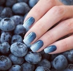 Weddbook ♥ Adorable blueberry nails, get this beautiful nail art done on your ails. A perfect color combination and will reflect the beauty of your hands. This blueberry nail paint will match to any outfit you will wear for party Easy Nails, Simple Nails, Cute Nails, Pretty Nails, Halloween Nail Designs, Halloween Nails, Halloween Ideas, Ombre Nail Designs, Nail Art Designs