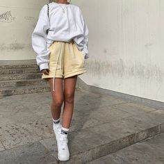 Look Athleisure, Athleisure Shoes, Look Fashion, Fashion Outfits, Korean Fashion, French Fashion, Winter Fashion, Fashion Tips, Mode Ulzzang