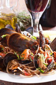 Pâtes aux fruits de mer et sauce arrabiata - Châtelaine