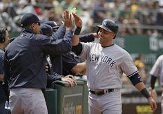Yankees amarran el quinto triunfo seguido superando a Athletics 5-4.