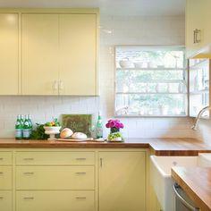 Benjamin Moore Sweet Pear on cabinets