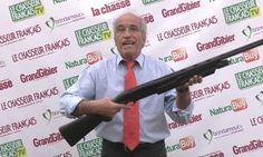 Voici le nouveau fusil à pompe Verney Carron qui permet de tirer, malgré ses rayures de canon, des cartouches à plomb sans dispersion de la gerbe.