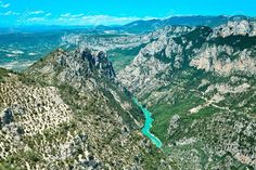 14665509-Gorges-du-Verdon-european-canyon-and-river-aerial-view-Alps-Provence-France--Stock-Photo.jpg (1300×867)