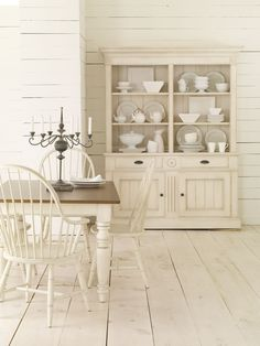 Whitewash—it doesn't get much more country chic than this.