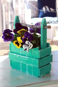 #DIY Build your own pansie planter!