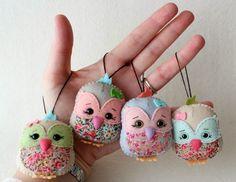 http://gingermelondolls.blogspot.ca/2014/02/free-pattern-little-lark-lavender-sachet.html