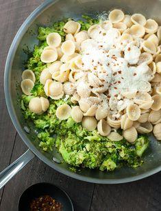 Orecchiette Pasta w/ Broccoli Sauce