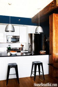 Sheena Murphy Apartment - Designers at Home - House Beautiful - industrial kitchen Beautiful World, Beautiful Homes, House Beautiful, White Industrial, Brooklyn Apartment, Industrial Apartment, Eclectic Design, Loft, White Wood