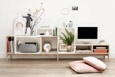 L'un des best sellers de l'éditeur danois – D'élégants modules que l'on clipse et empile pour créer ses propres combinaisons – Stacked Shelf... http://www.muuto.com