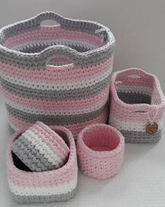 Crochet Projects, Sewing Projects, Crochet Organizer, Crochet Wall Hangings, Crochet Basket Pattern, Knit Baby Booties, Fabric Boxes, Crochet Home Decor, Crochet Round