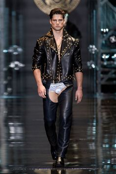 Nice Casual Party Outfits Versace Fashion Show & More Luxury Details... Check more at http://24myshop.cf/fashion-style/casual-party-outfits-versace-fashion-show-more-luxury-details/