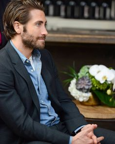 """gyllenhaaldaily: """"Jake Gyllenhaal attends the Variety Studio at TIFF presented by AT&T on September 2017 in Toronto, Canada. Beard Styles For Men, Hair And Beard Styles, Long Hair Styles, Handsome Actors, Jake Gyllenhaal, Hollywood Actor, Wedding Men, Perfect Man, Beautiful Men"""