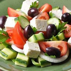 Классический греческий салат (Horiatiki) рецепт – салаты с сыром: салаты. «Афиша-Еда»