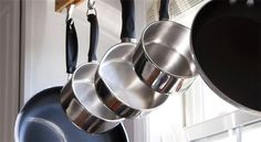 hanging pots and pans by kitchen window How To Clean Skillet, How Do You Clean, Kitchen Organization, Organization Hacks, Organizing Tips, Cleaning Solutions, Cleaning Hacks, Casseroles, Clean Pots