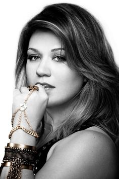 What doesn't kill you makes you... STRONGER Love Kelly Clarkson!