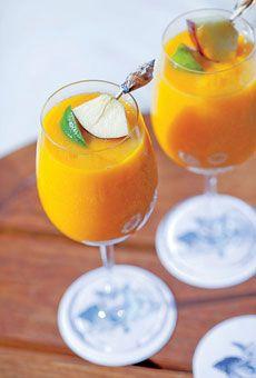 A mango rum drink!