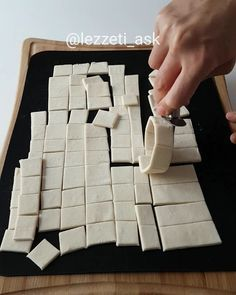 Ennn is one of the most popular sweets. Baby Food Recipes, Cake Recipes, Cooking Recipes, High Calorie Desserts, Mini Cheesecakes, Turkish Recipes, Iftar, Food Design, Tricks