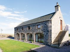 Pick your favourite self build or renovation project in the 2013 Build It Awards Stone Barns, Stone Houses, Extension Veranda, Barn Renovation, Farmhouse Renovation, Self Build Houses, Modern Farmhouse Exterior, Timber Frame Homes, Modern Barn