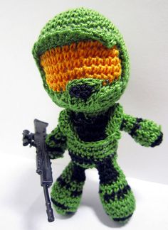 omgoodness.. crocheted halo masterchief, hehe. i almost put this in my CUTENESS OVERLOAD board.