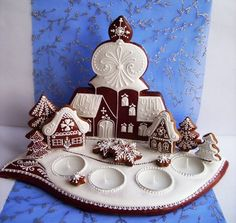 This one must positively GLOW! by libuse mokra Gingerbread Crafts, Christmas Gingerbread, Christmas Cookies, Gingerbread Houses, Fancy Cookies, Sweet Cookies, Christmas Thoughts, Cookie House, Buttercream Flowers