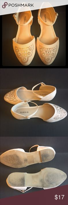 Embellished D'Orsay Flats Retro patterned embellishments to die for. Perfect for crops, shorts or skirts. Blush pink color so HOT right now. Wide width. Worn once. Make it YOURS today 🗓 torrid Shoes Flats & Loafers