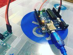 Firts tutorial!! Reading a IR receptor!!!! O primeiro tutorial tá saindo. Vamos fazer desde o básico até sabe Deus onde!!#arduino #arduinouno #arduinomega #brick #bricks #geek #geeks #maker #makers #robotica #fatec #ifsp #gbkrobotics #electronics #tecnologia #futuro #engenharia #mecatronica #senai #etec #tcc #raspberrypi #raspberrypi2 #iot by gbkrobotics