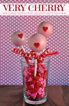 Easy DIY Valentine Cake Pops, 2014 Pink Chocolate Cake Pops For Valentine's Day Gifts Valentines Day Cakes, Valentine Treats, Valentine Day Love, Valentine Day Crafts, Chocolate Cake Pops, Pink Chocolate, Diy Valentine's Cake, Gold And White Cake, Making Sweets