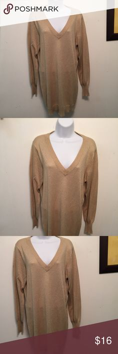 "MIXIT Woman Gold Metallic Tunic Sweater 1X/1XG Excellent clean condition. Bust up to 46"". Length from shoulder to bottom 33"". Mixit Sweaters Crew & Scoop Necks"
