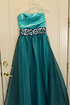 Here is my prom dress|2012....Got it for only $50...#gottalovejcpennys Indian Clothes, Indian Outfits, Strapless Dress Formal, Prom Dresses, Formal Dresses, Homecoming, Night Out, Special Occasion, High Waisted Skirt