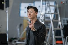 Korean Male Actors, Korean Celebrities, Asian Actors, Yoon Park, Lee Minh Ho, Drama Gif, Park Seo Joon, Bok Joo, Hyun Bin