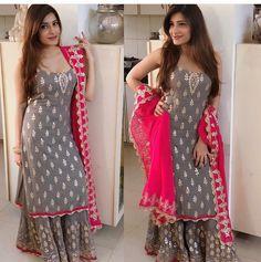 Garara suit - Sleeveless Kurti with Sharara Bollywood Style Indian Look Bollywood Dress, Pakistani Dresses, Bollywood Fashion, Indian Dresses, Indian Outfits, Bollywood Style, Kurta Designs, Blouse Designs, Dress Designs