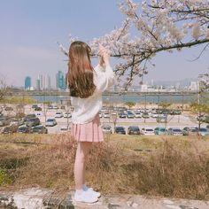 Gifts that Keeps On bouncing Early morning BooBers be a bouncing Korean Girl Photo, Cute Korean Girl, Asian Girl, Cute Asian Babies, Asian Cute, Cute Night Lights, Cartoon Girl Images, Girl Background, Ulzzang Korean Girl