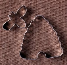 Bee and Hive Cookie Cutter Set, Metal Cookie Cutter Set, Small Bumble Bee Cookie Cutter, Large Beehive Cookie Cutter, Bumble Bee Party