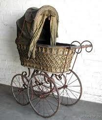 Kinderwagen, historisch.1880 Pram Stroller, Baby Strollers, Silver Cross Prams, Old Cribs, Vintage Pram, Prams And Pushchairs, Baby Buggy, Baby Prams, Victorian Furniture