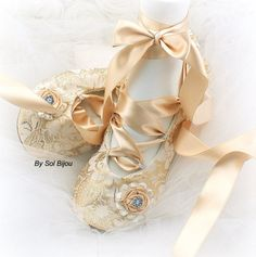 ***Made Upon Request  ***This listing is for a pair of bridal flats as shown  These decadent pair of ballet flats has been crafted using a luxurious