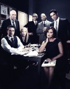 Photo Flash: Cast Shots for LAW & ORDER: SVU Season 15
