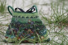 heegeldab - a real artist with crochet and yarns - so pretty