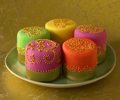 Bollywood Swirl Cakes