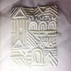 Ellie Mac Embroidery . 3D foam combining Matt and shiny threads elliemac.embroidery@gmail.com #elliemacs
