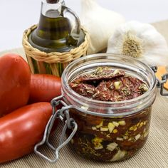 POMODORI SECCHI SOTT'OLIO #pomodori #conserva #estate #antipasto #secchi #vegetariana #ricettafacile