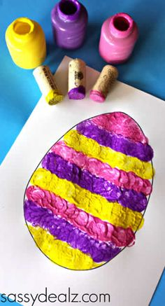 Wine Cork Easter Egg Stamping Craft for Kids Use three wine corks to make a fun Easter egg craft for kids! Perfect for toddlers or preschoolers. Kids Crafts, Easter Activities For Kids, Spring Crafts For Kids, Toddler Crafts, Preschool Crafts, Crafts To Make, Craft Kids, Easter Art, Easter Crafts For Kids