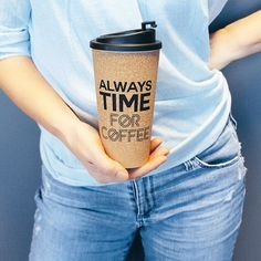 Always time for coffee! Our new insulated cork travel mugs will keep both your cappuccino cosy and your iced tea icy, and will earn you environmental brownie points 🌱⠀  .⠀  Tap the link in bio to see our range⠀  .⠀  .⠀  .⠀  #travelmug#coffee#coffeetime#coffeelover#coffeeaddict#keepcup#salutethereuser#reuserevolution#sustainability#bringyourowncup⠀    #Regram via @ByzKoNmD0ad