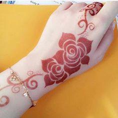 Simple Mehndi Designs For Beginners Modern Henna Designs, Indian Henna Designs, Rose Mehndi Designs, Latest Bridal Mehndi Designs, Full Hand Mehndi Designs, Henna Art Designs, Mehndi Designs For Beginners, Mehndi Design Photos, Wedding Mehndi Designs