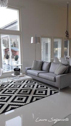 Modern/Livingroom/Valkoinen olohuone/ Avara olohuone/ White/Läppljung/Vitra/Hay/Skandinavisk/Modern/Livingroom/White/Skandinavisk/Nordichome/Uunisepät/Ikea/Artek/ Artek-kanto/Shorebird/Kuta-valaisin/ Kuta/ BoConcept/Normann Copenhagen/ AMP/ Frandsen Kuta, Boconcept, Villa, Living Room Modern, Norman, Interior, House, Copenhagen, Lighting