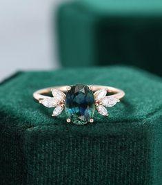 Marquise Cut Diamond, Diamond Cluster Ring, Diamond Cuts, Diamond Rings, Deco Engagement Ring, Vintage Engagement Rings, Green Sapphire Engagement Ring, Beautiful Engagement Rings, Beautiful Rings