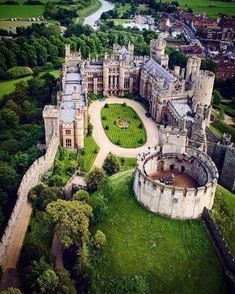 Arundel Castle - Arundel, West Sussex England. Photographer @gennaro_rispoli. #castle  #castles #arundelcastle #england #englandtravel #traveltips #traveltips #travelideas #greatbritain Castles, Chateaus, Forts, Locks