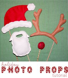 Tutorial: Santa and reindeer photo props Christmas Makes, Noel Christmas, All Things Christmas, Reindeer Photo, Santa And Reindeer, Christmas Pictures, Christmas Photos, Holiday Crafts, Polar Express Party