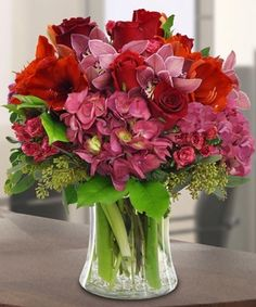 This bouquet is sure to bring holiday cheer! By Mission Viejo Florist #OrangeCounty #Christmas