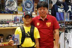 【大阪店】2014.08.19 ダルビッシュファンのお子さんと親子でパシャリ!夢のプロ野球選手目指して頑張って下さいね!またお待ちしております^^♫