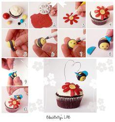 Cupcake de aba y flor con fondant // BlackBetty'sLab: cupcakes